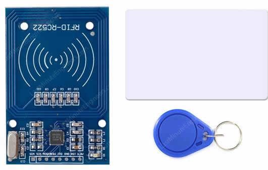 Рисунок 3 Модуль RFID считывателя RC522 с меткой-картой и меткой-ключом
